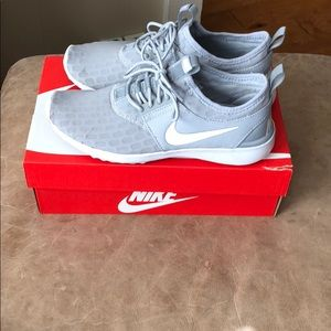 WMNS Nike Juvenate Size 7.5 Worn once!